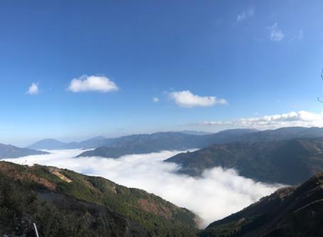 秋の朝は雲海も!