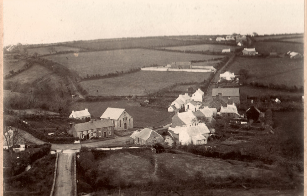 1900 (Y Pentref)