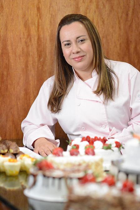 Erika Ferreira CEO At Amor em Pedacos Bakery