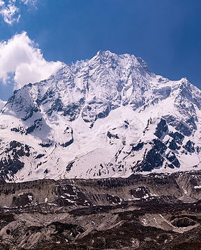 trekking-in-nepal-4377091_1920.jpg