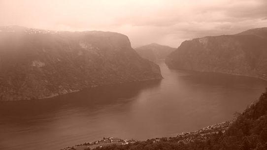 Norway 2 mountain.jpg
