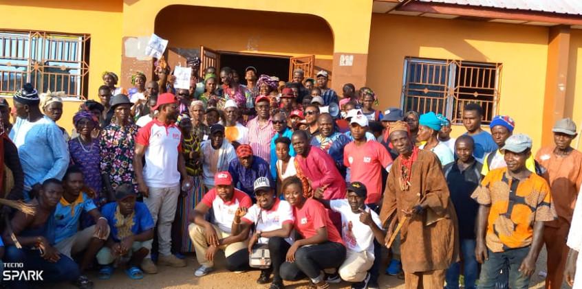 Dr. Richard Konteh visits Bumban Community