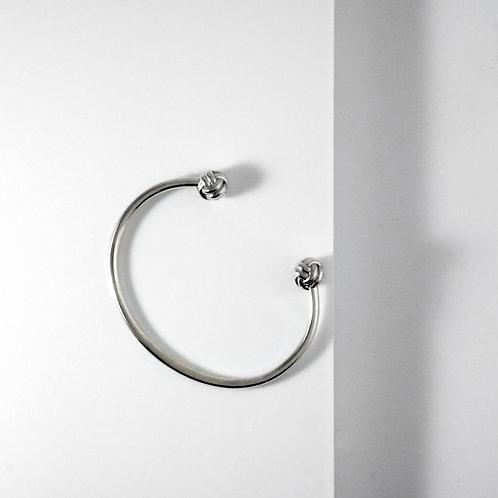 Monkey Paw Knot | Silver | Bangle
