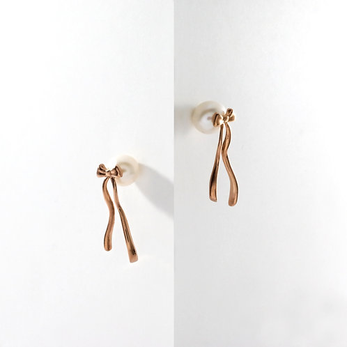 Presents (White Pearl) | Rose Gold | Earrings