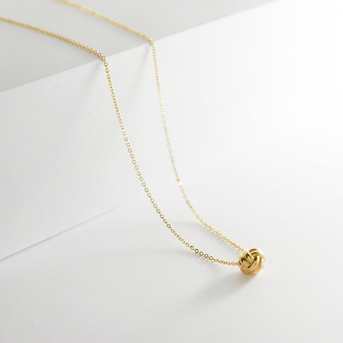 Monkey Paw Knot Charm    Gold   Necklace