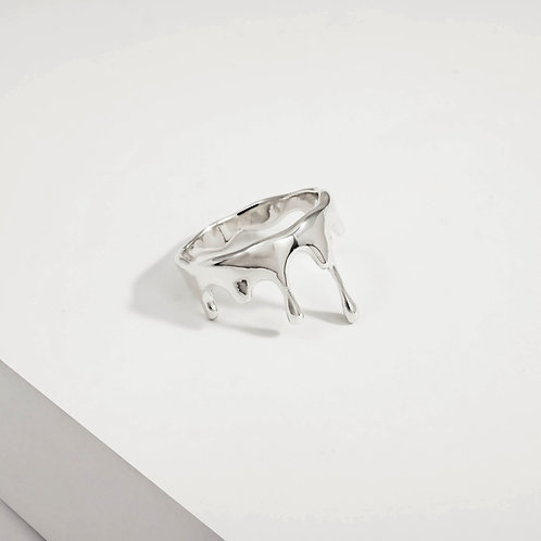 Rivulets Small   Silver   Ring