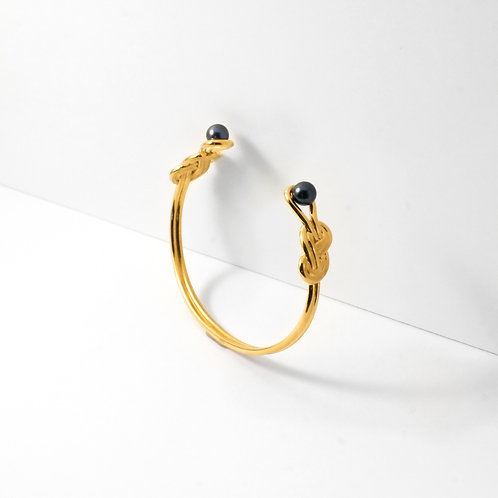 Figure 8 Knot | Gold | Bangle