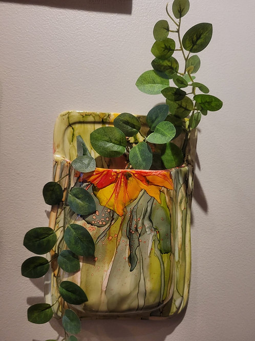 Ceramic Pocket Sconce with foliage