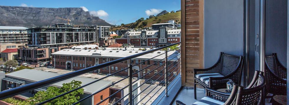 balcony_1bedroom_Docklands_508_ITC_3.jpg