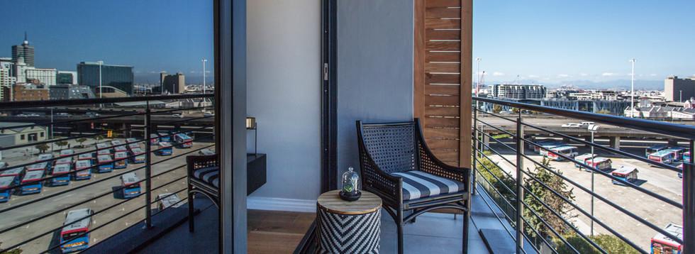 balcony_1bedroom_Docklands_508_ITC_1.jpg