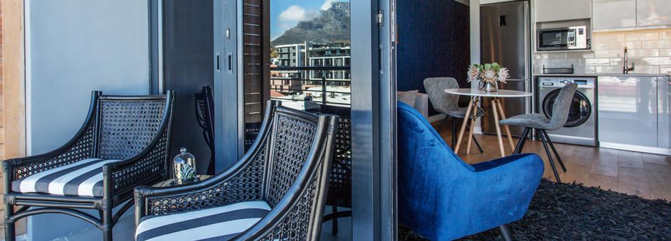 balcony_1bedroom_Docklands_508_ITC_4.jpg