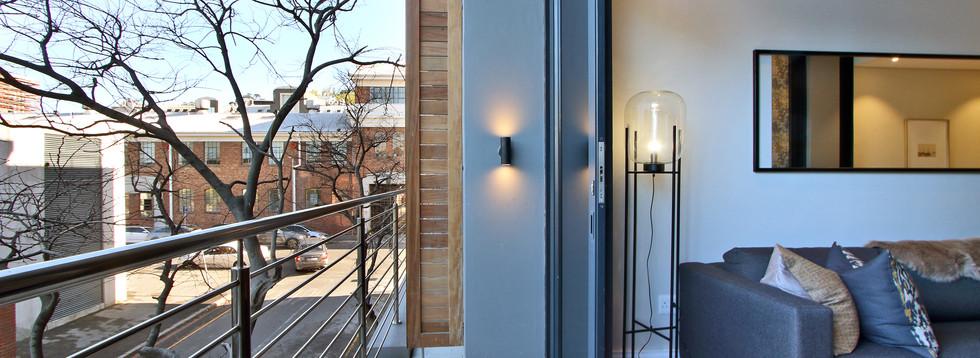 Balcony_1bedroom_Docklands_107_ITC_2.jpg
