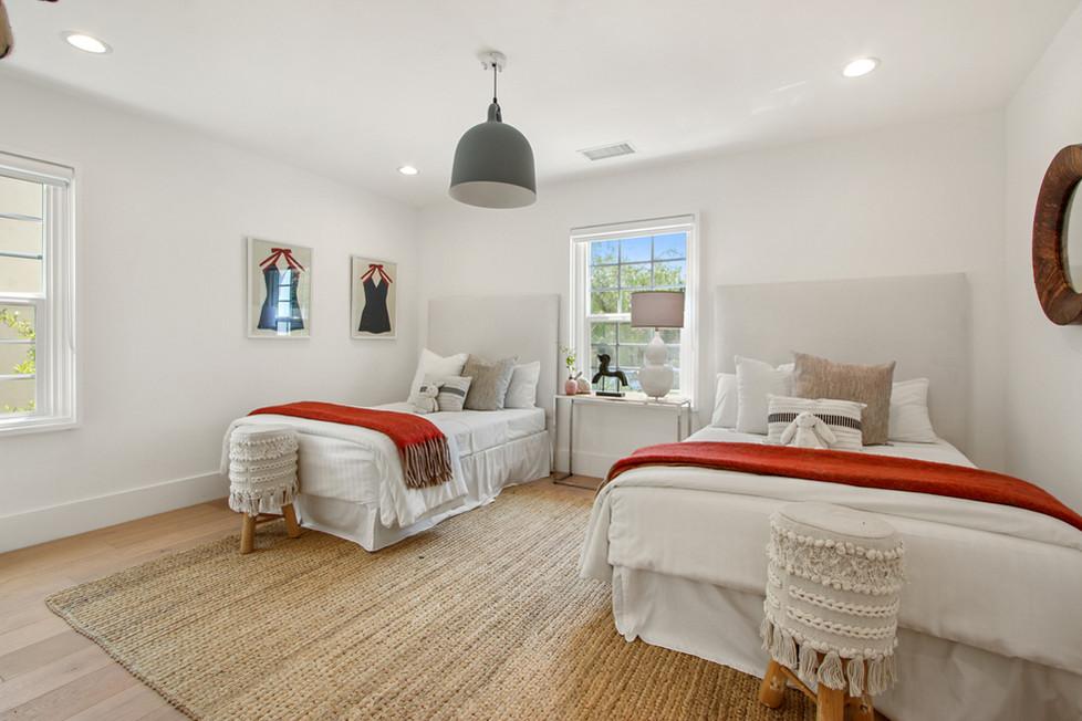 840 Thayer Ave - bedroom 3.jpg