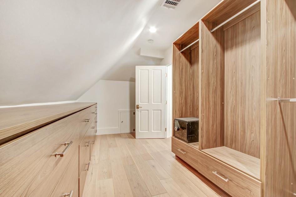 840 Thayer Ave - master bedroom walk in