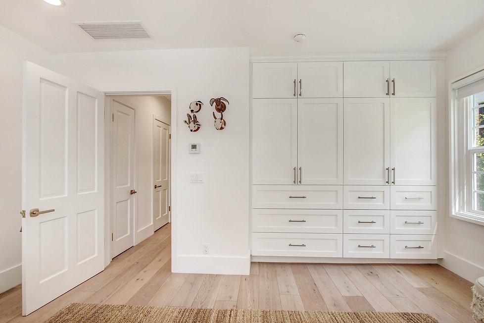 840 Thayer Ave - bedroom 3 storage.jpg