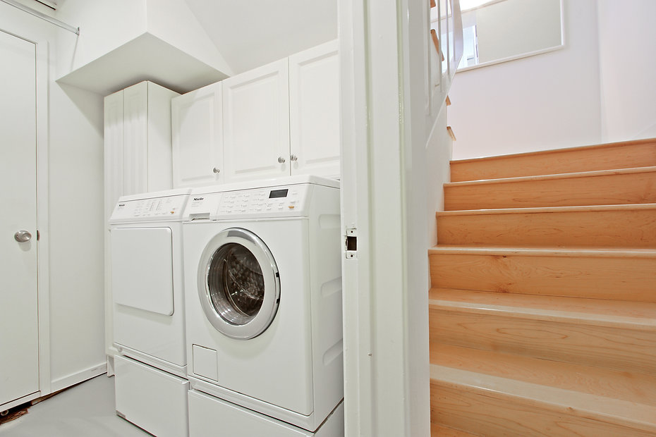 920 Westholme Ave. - Laundry Area