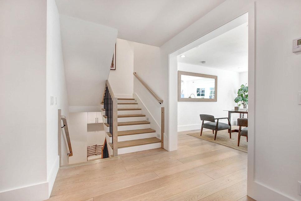 840 Thayer Ave - stairway.jpg