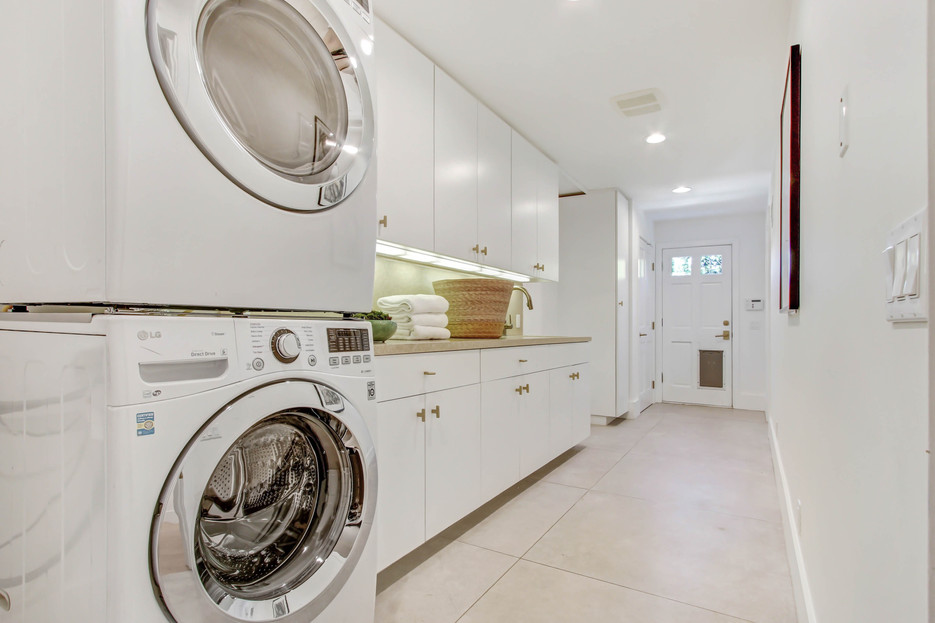 840 Thayer Ave - laundry and mudroom.jpg
