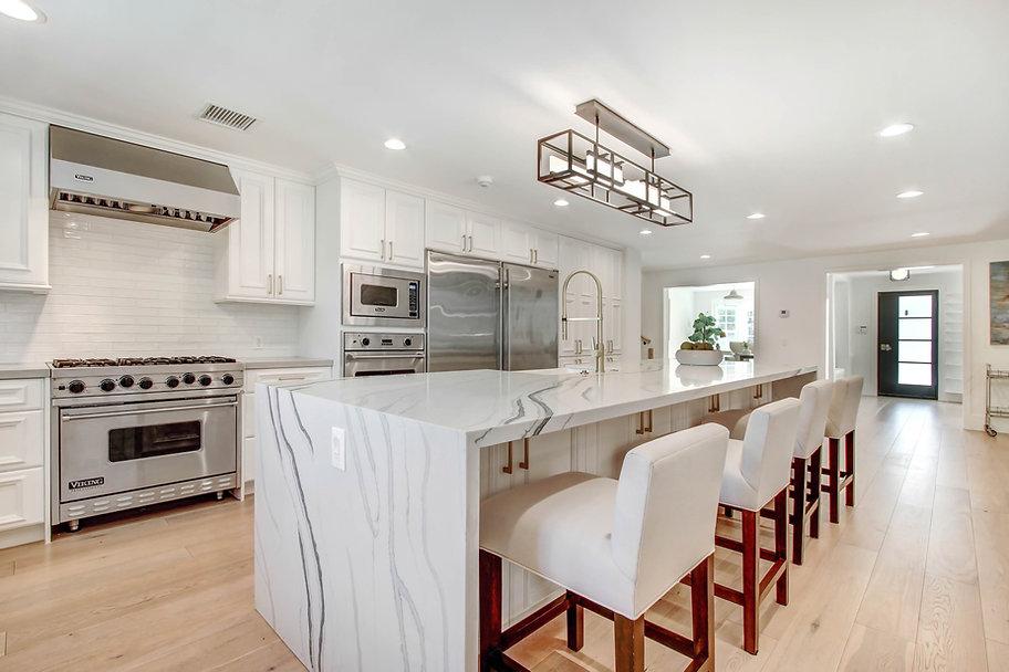 840 Thayer Ave - kitchen.jpg