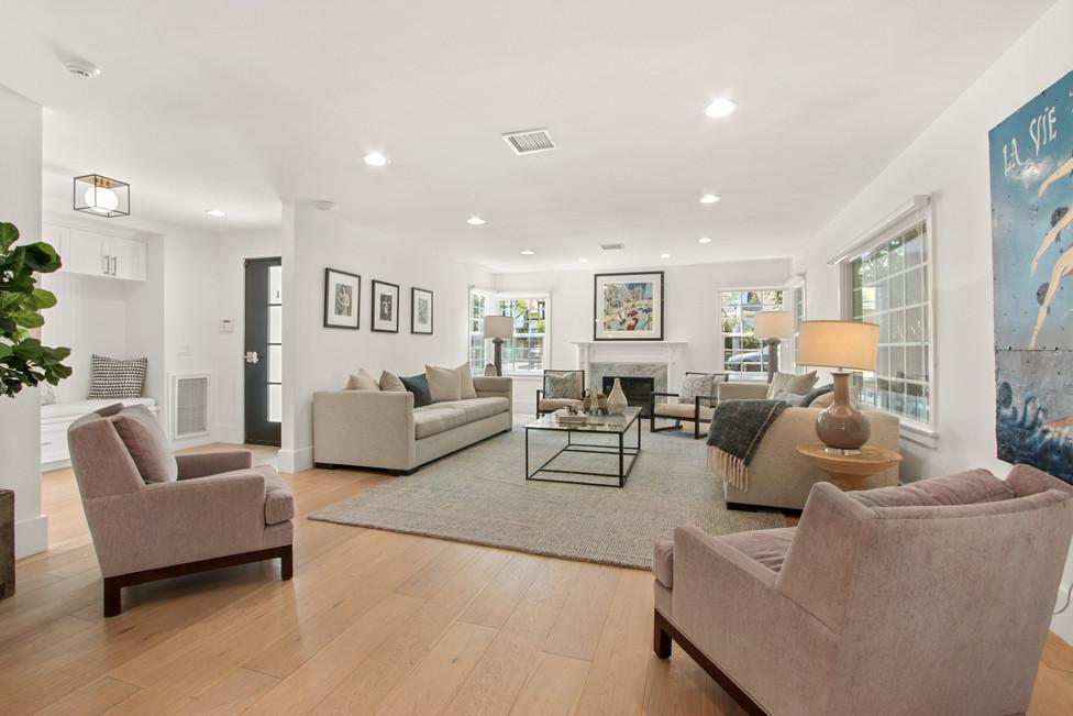840 Thayer Ave - living room.jpg
