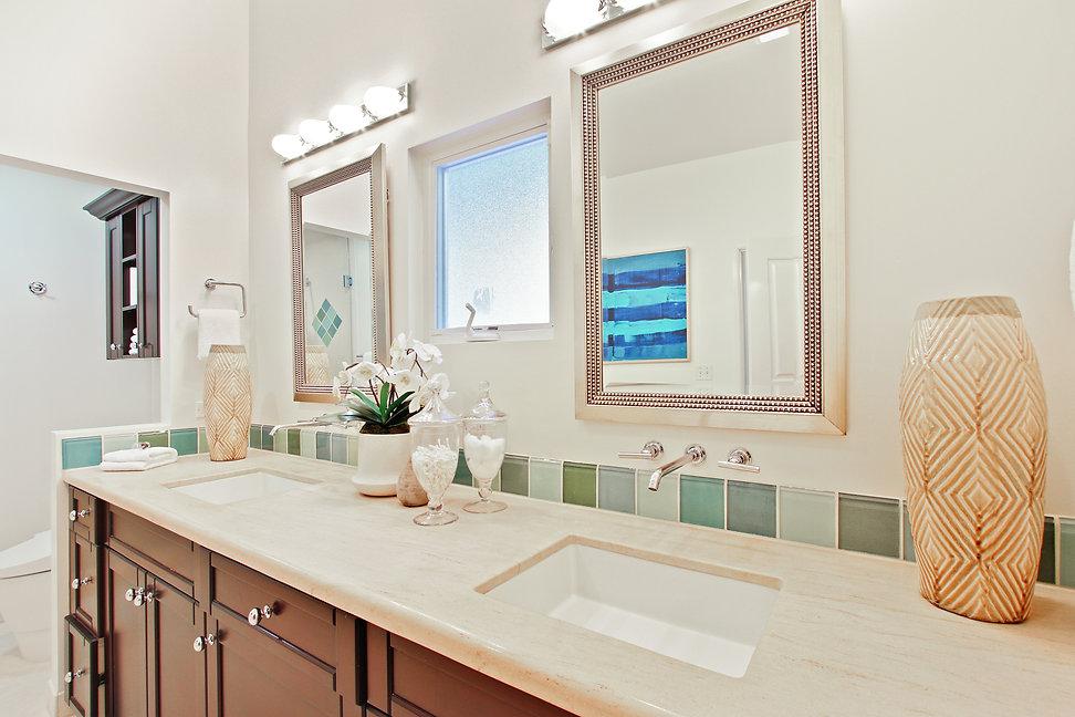 920 Westholme Ave. - Bathroom Vanity