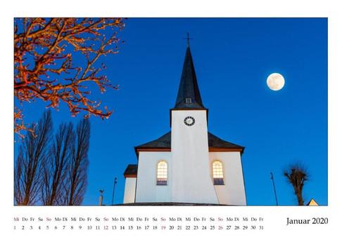 Burbach ev. Kirche im Vollmond