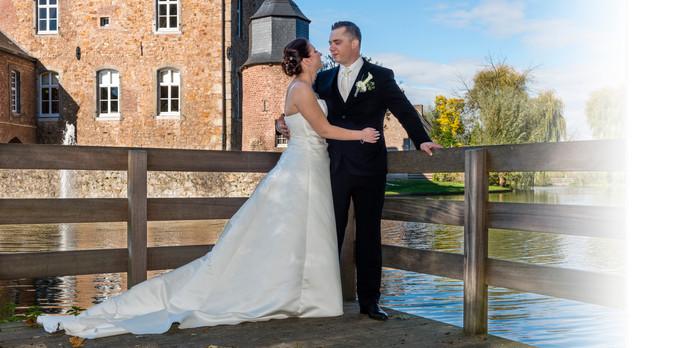 Hochzeitsfoto vor Burgpanorama