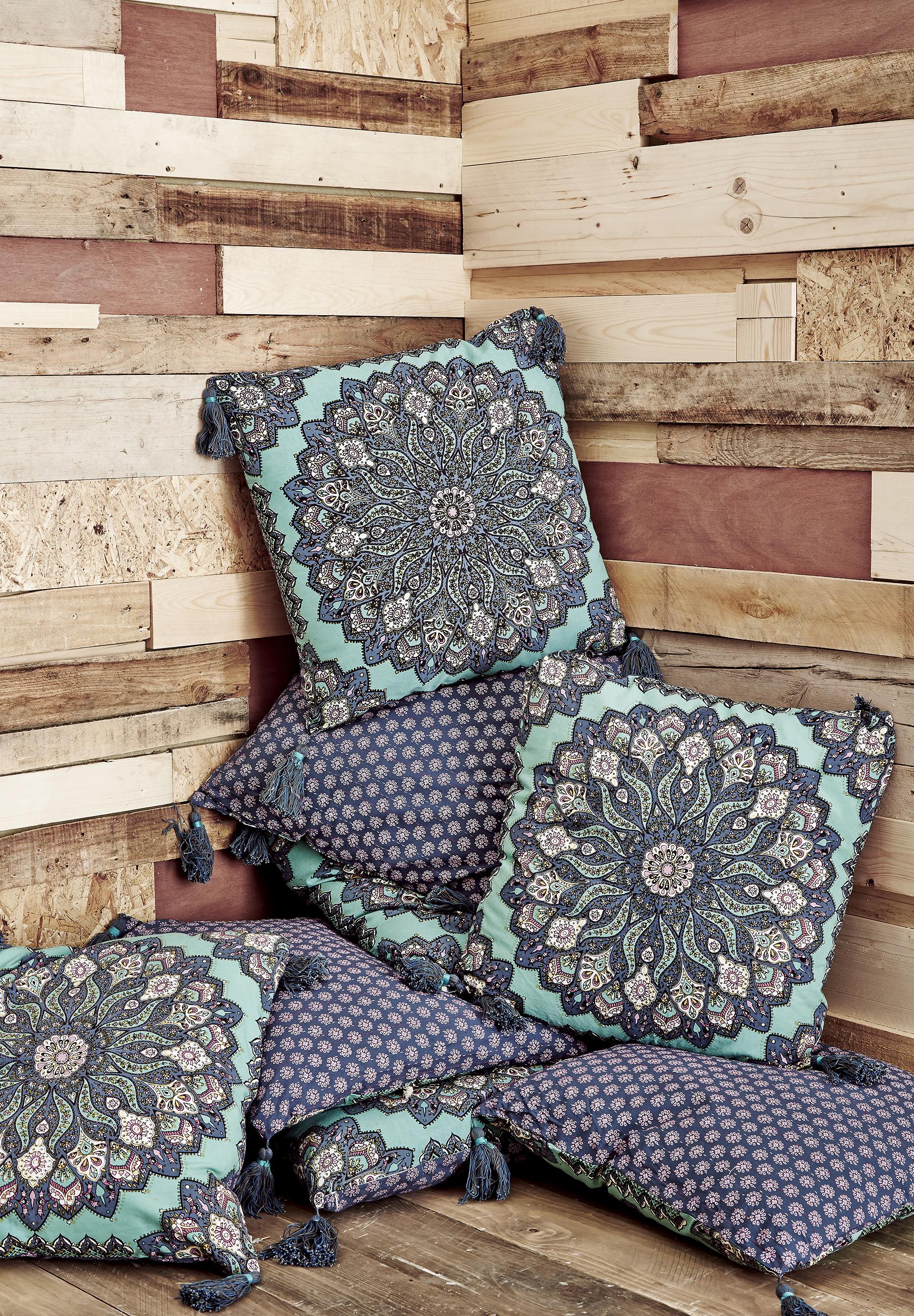 cushions .jpg