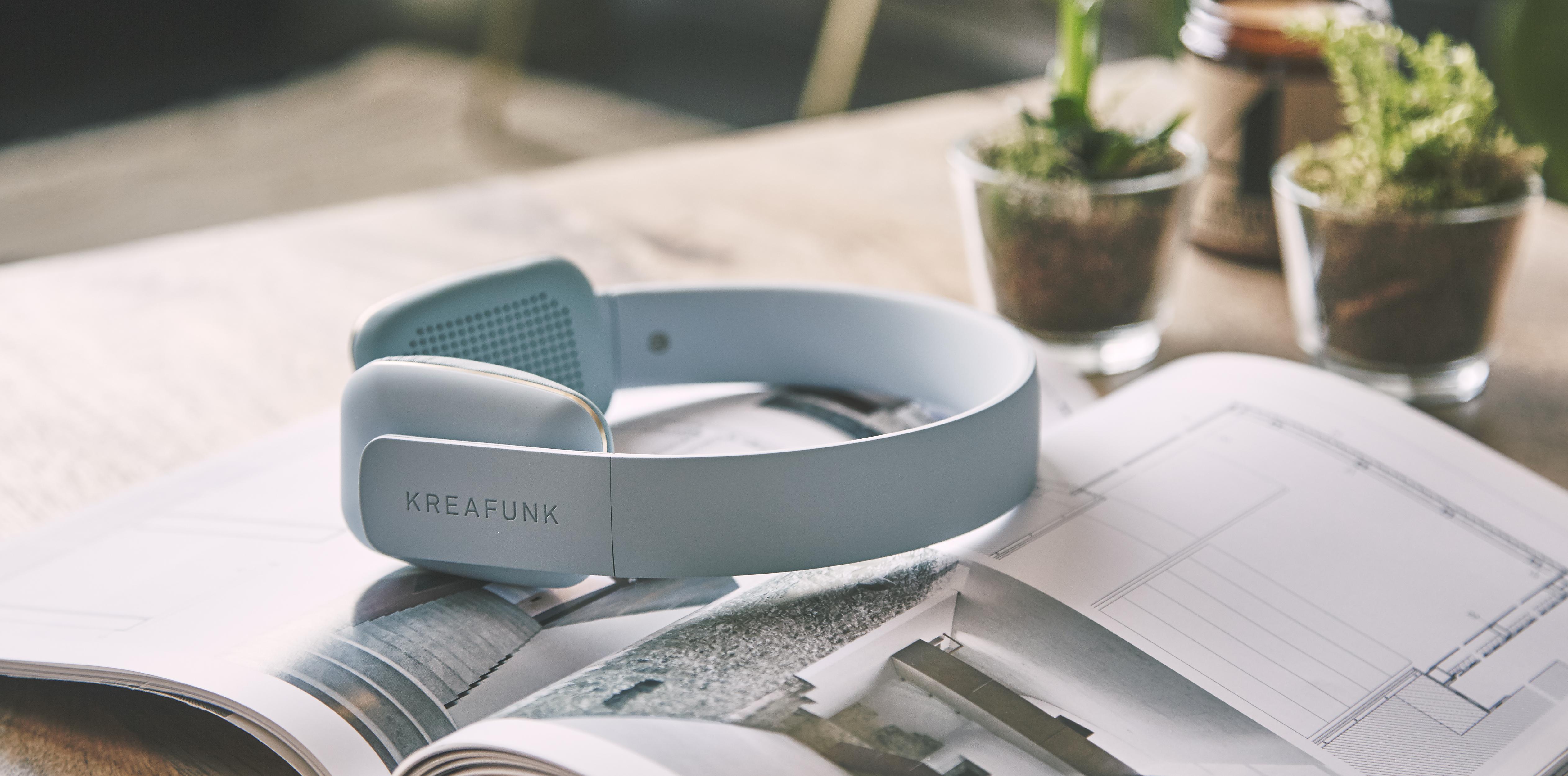 HW_Wk 4_UO Tech Kreafunk Headphones 2 of 2