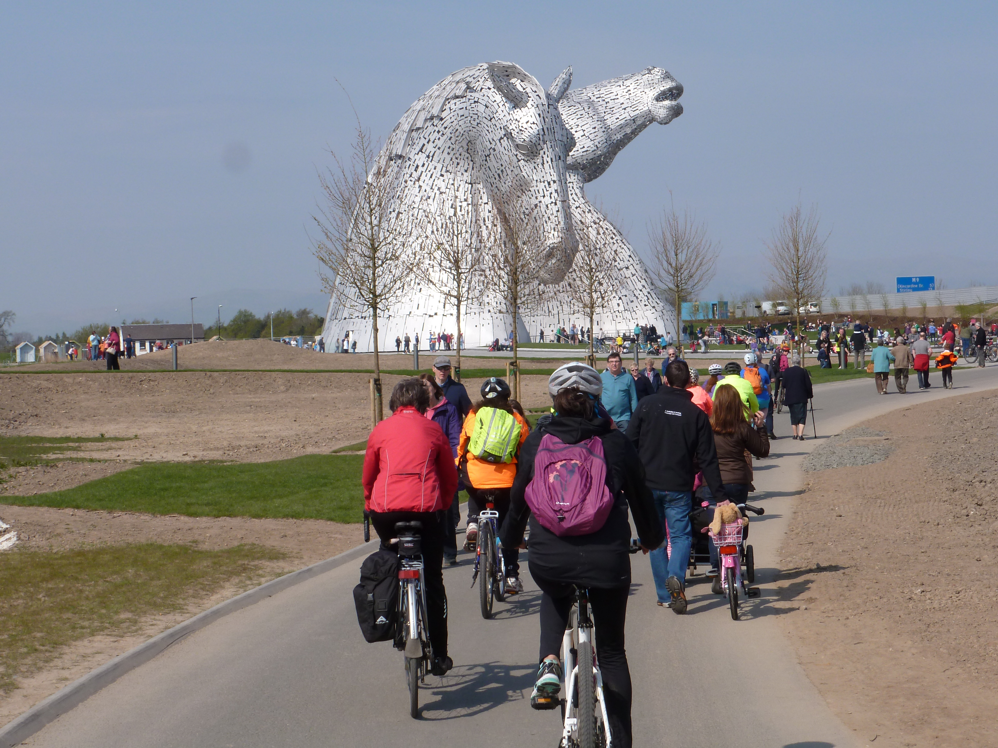 Longer route to Kelpies