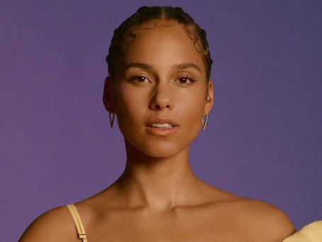 Alicia Keys Marks 20th Anniversary Of Debut Album With Billboard Music Award Performance
