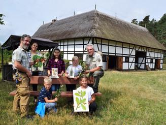 Neugierige Schüler erobern Höllberge und Kolkwitzer Wald