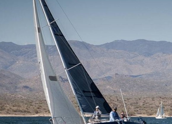 FRESH WATER J/27 EQUIPPED FOR RACING AND DAY SAILING
