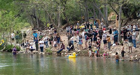 beachcrowd during race.jpg