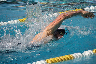 Swimming in pentathlon competition