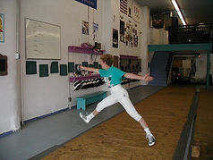 Fencing bounce up and down  Elaine Cheris