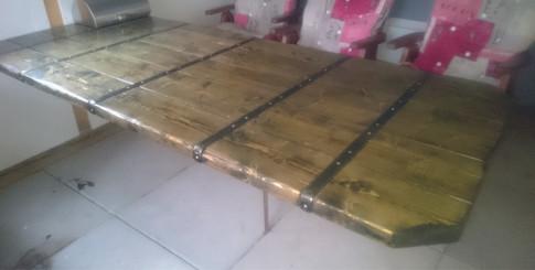 Rustikt bord.jpg