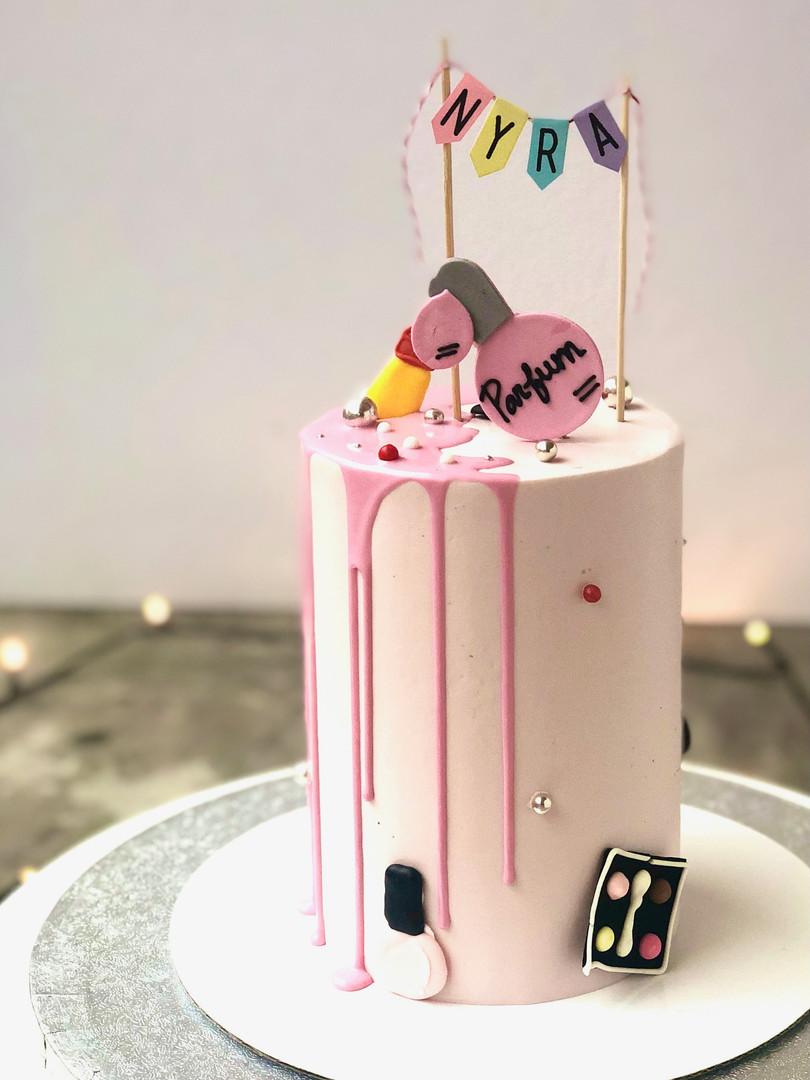 Make-up mini cake 65.50euros