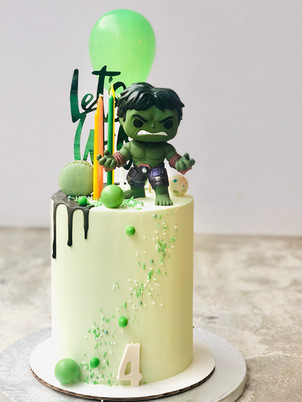 Hulk cake from  95,00euros