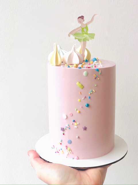 Ballerina smash cake