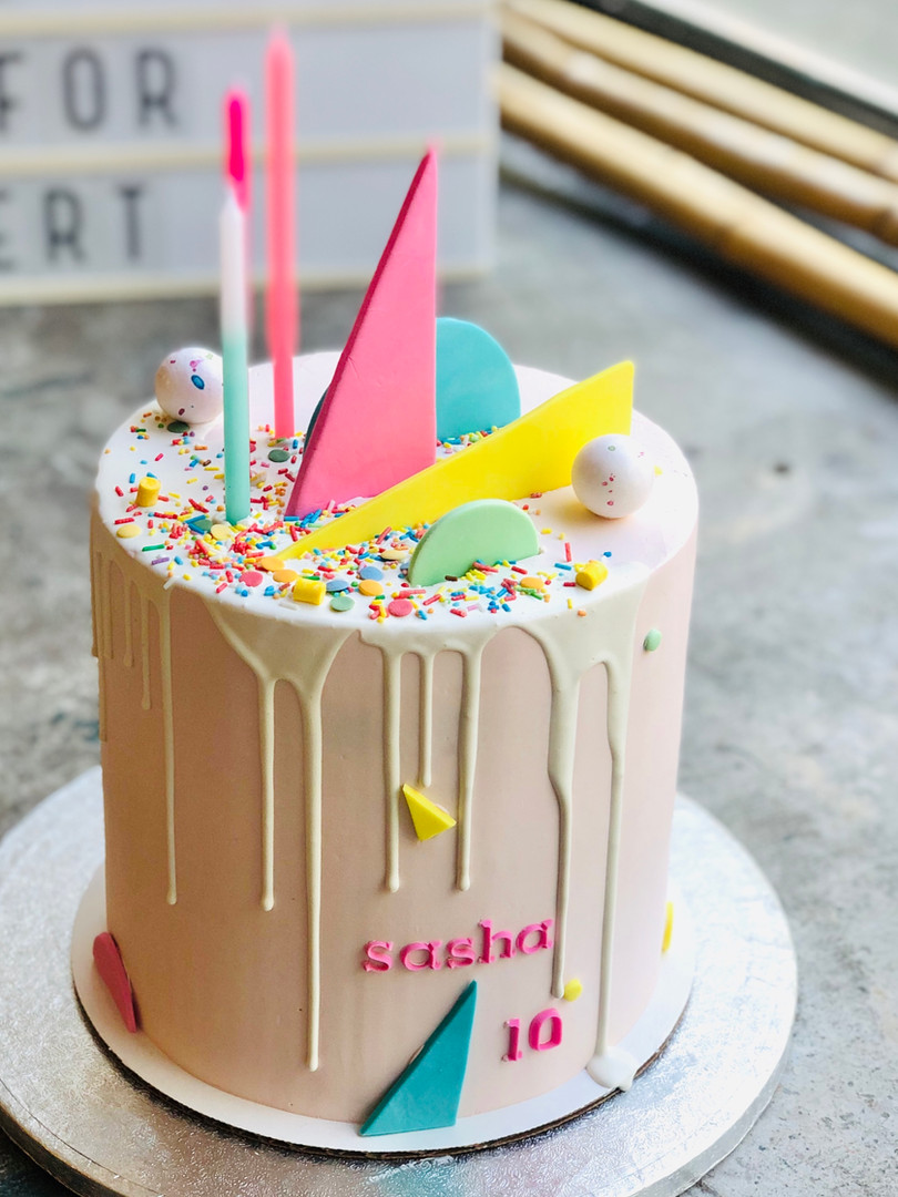 Geometric cake, from 85euros