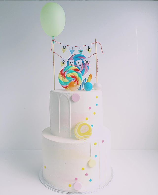 Double lollipop cake