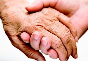 manos-ancianos-2.jpg