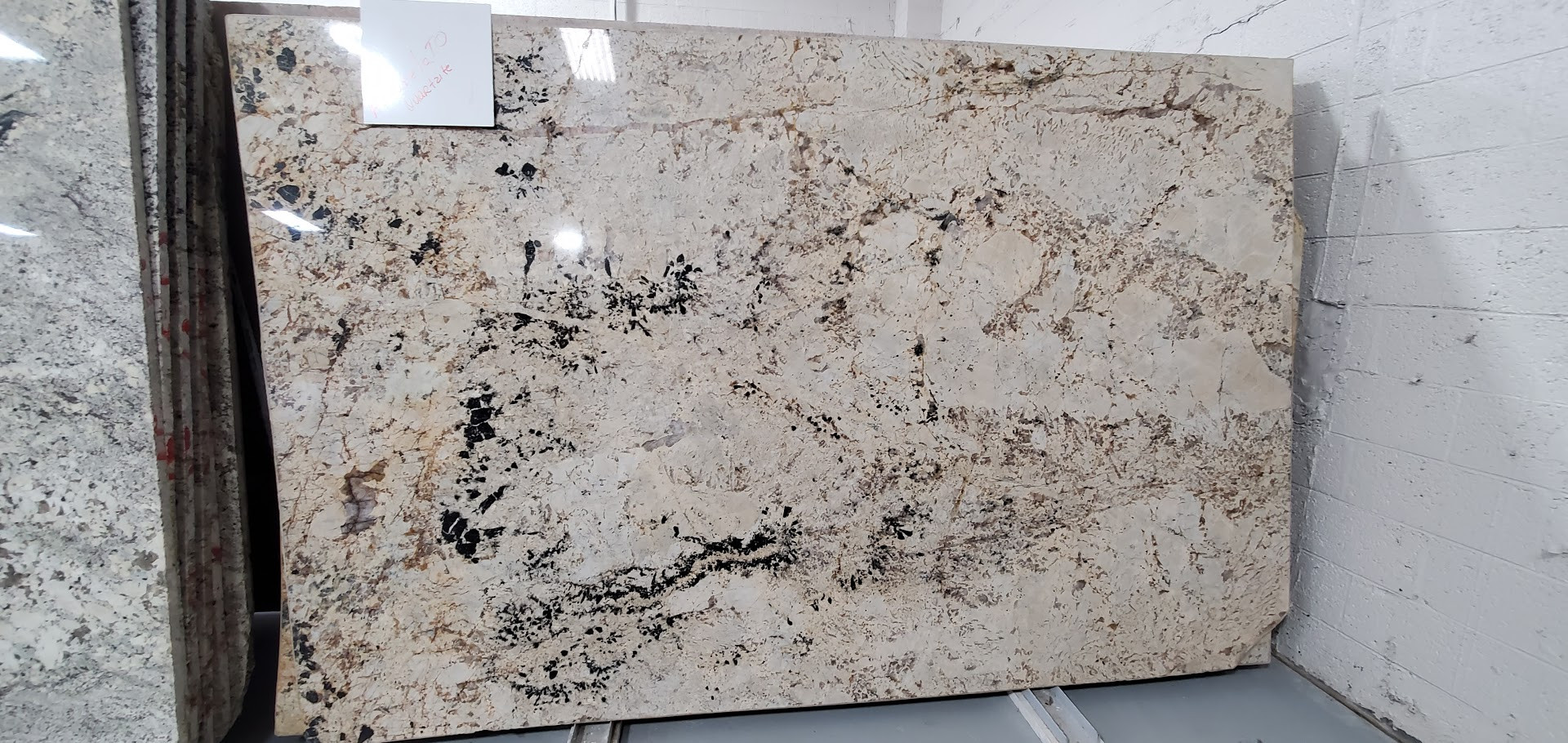 AMARALETTO QUARTZITE