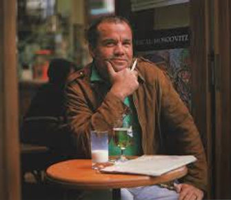 Fotografia do artista plástico Jacinto Luís
