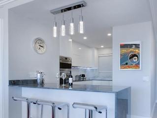 DECORATE YOUR HOME | Quem é que disse que as serigrafias não ficam bem na cozinha?