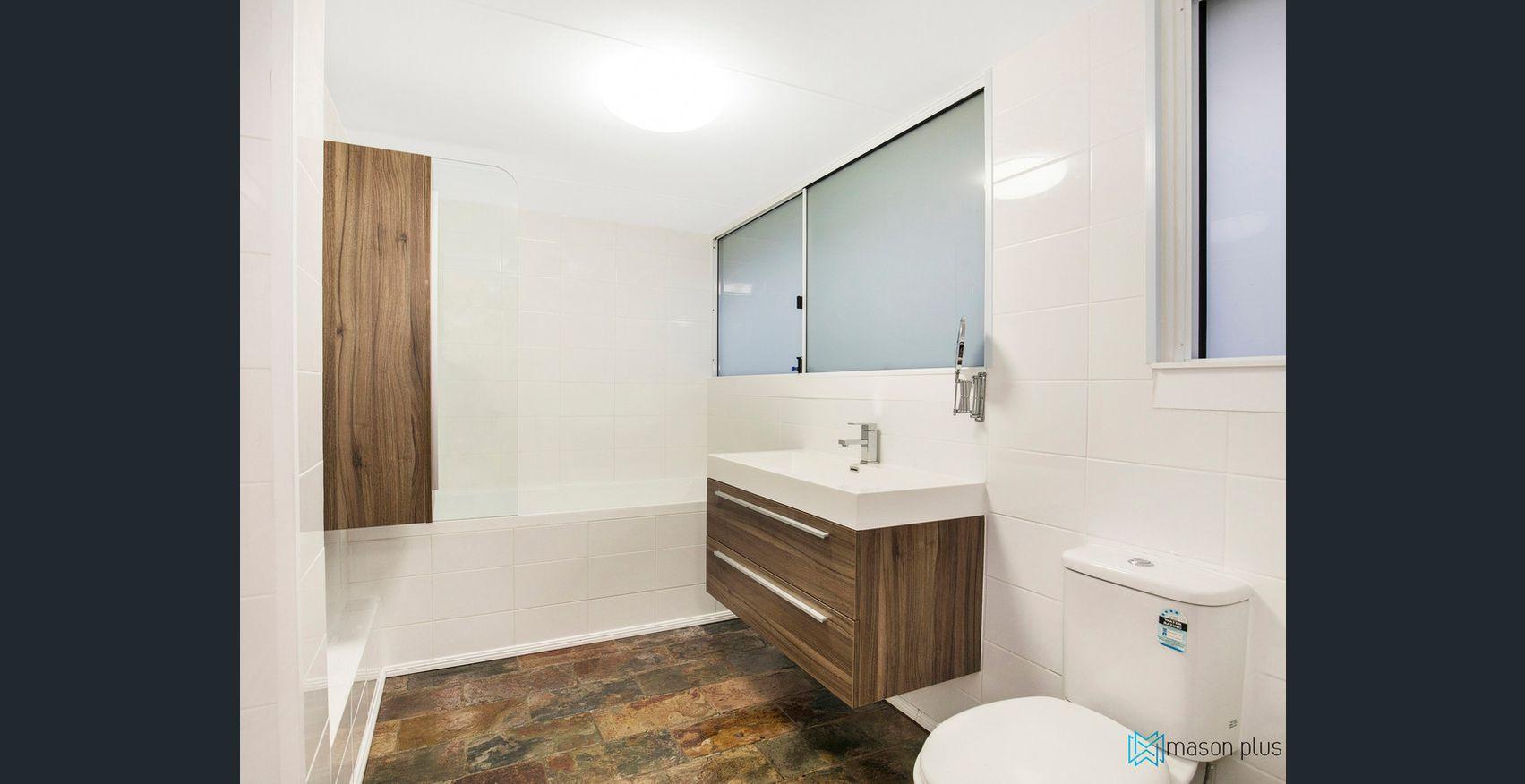 57 CAESARROAD Ferny Hills, QLD 4055