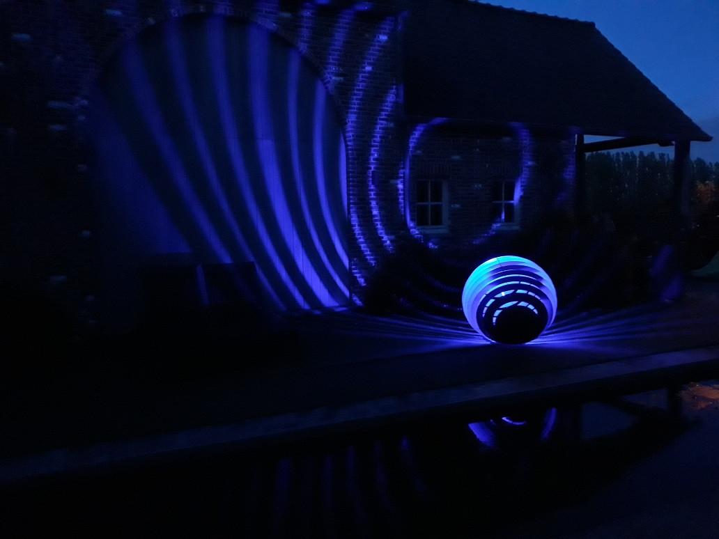 shpere-1000-blauw-02.jpg