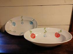 ローザリム楕円鉢(波佐見)