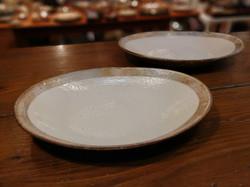 古谷製陶所 粉引き横彫楕円皿